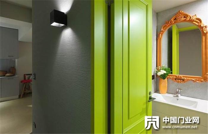 原来如此:卫生间木门需不需要刷防水漆?