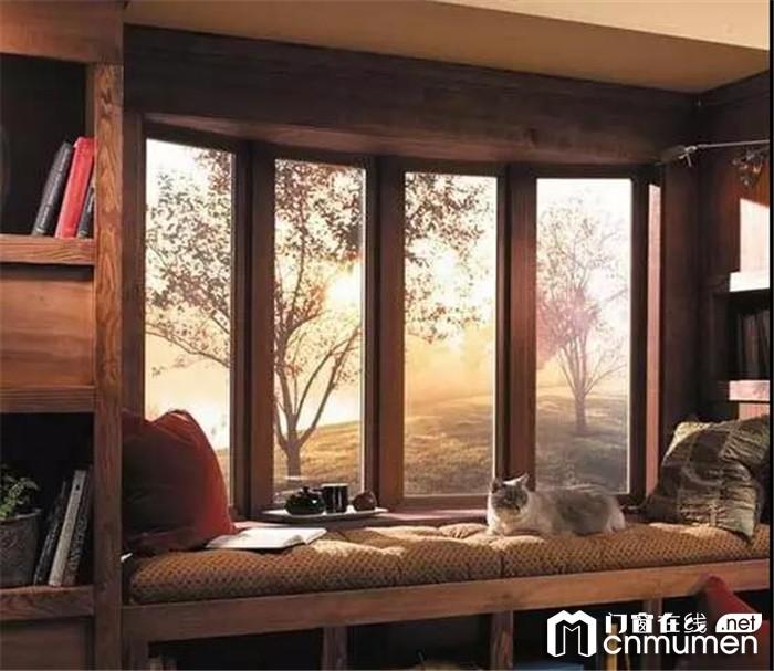 最美不是下雨天,而是和你一起窝在富轩的飘窗前