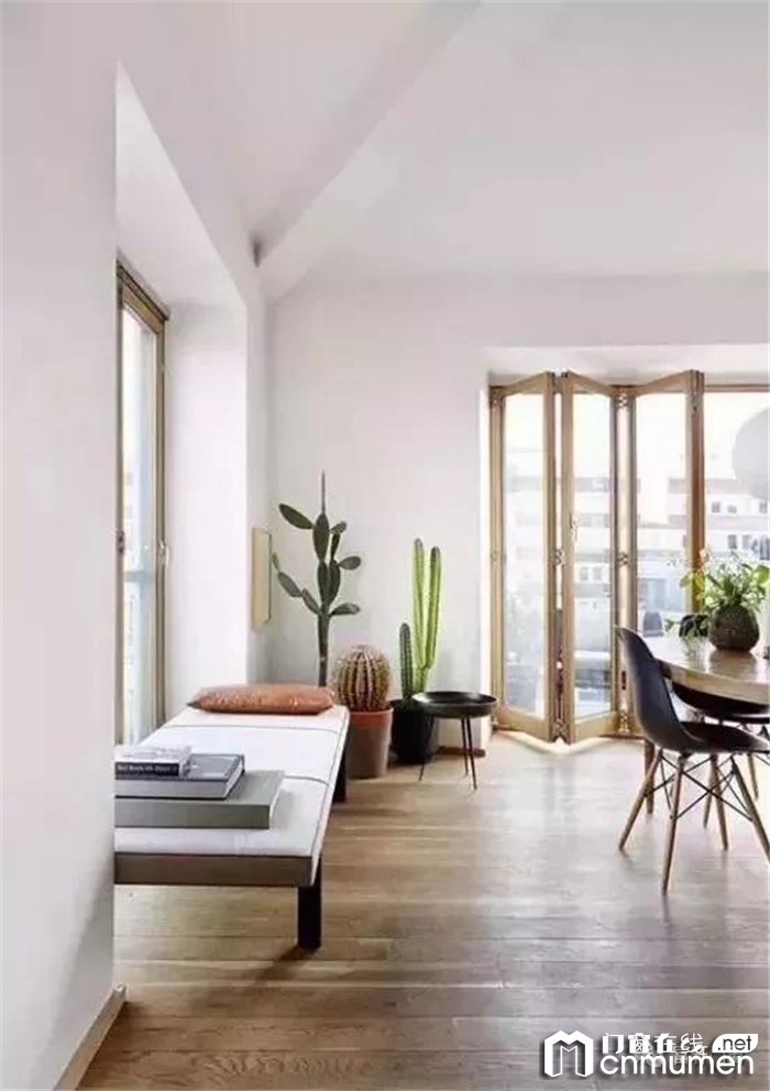 谁说客厅连阳台只能装推拉门?如今的流行设计由富轩门窗说了算!