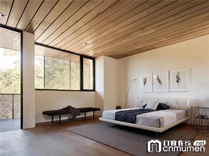 门窗是台风来袭的重要防线,索哲门窗给您一个安全舒适的家居环境