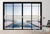 客厅与阳台之间 一扇无与伦比的美丽窄边框推拉门 (1056播放)