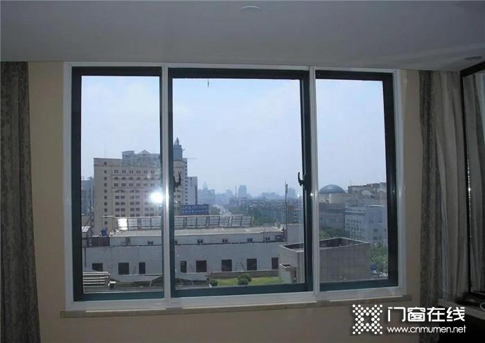房子隔音太差 导致休息不好?你需要红橡树静音门窗!