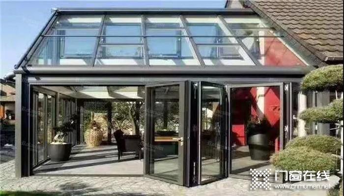 用罗兰西尼门窗打造一个温暖的阳光房,放逐心灵,尽情挥洒个性~