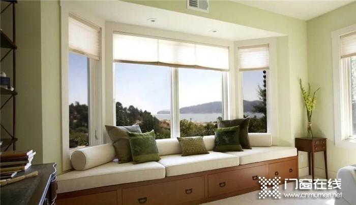 """帝奥斯门窗,让生活""""玲珑高卧见云霞""""!让室内成为亲近大自然的空间"""