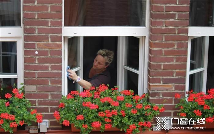 门窗清洁不用愁,皇派实用小技巧等你来看 !