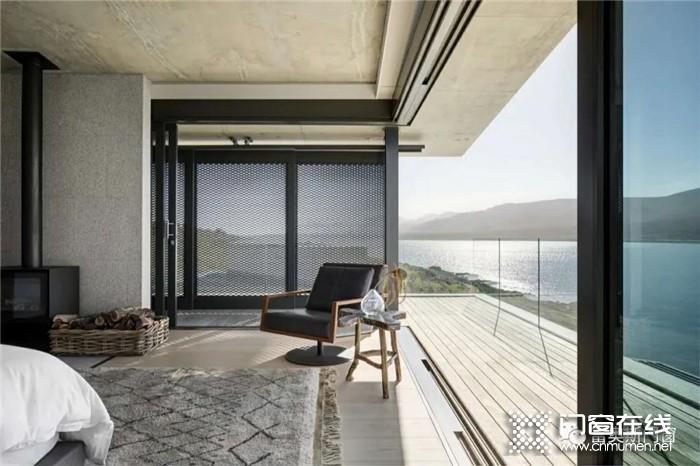 健康舒适的生活从富奥斯门窗开始,把门窗放心交给它,从此高枕无忧!