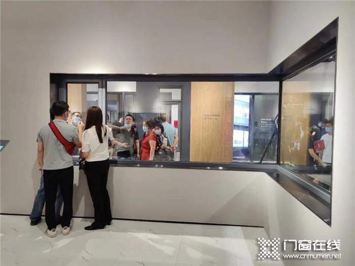 """罗兰西尼实力""""引爆""""2020中国建博会,带你零距离接触罗兰西尼系统门窗"""