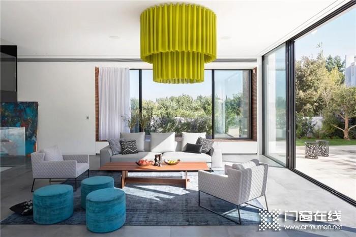 现代简约风的住宅,就要搭配德技优品极简折叠门!