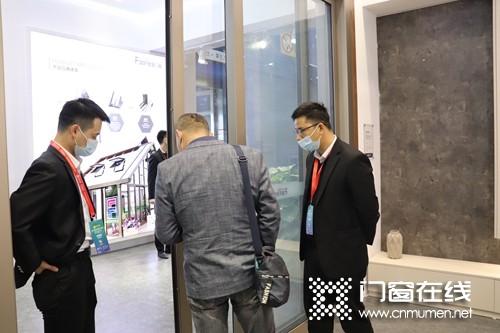 富轩门广州高定展圈粉无数 品味门窗高定之美
