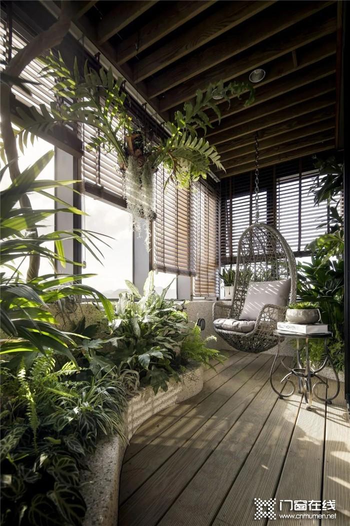 百利玛门窗打造的宽阔阳台设计,诗意生活就此开始
