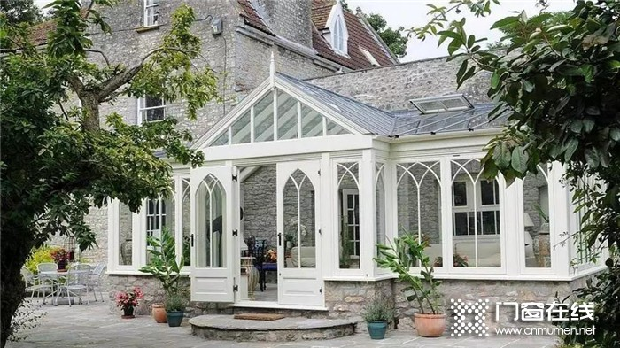 当花园遇上富轩门窗打造的阳光房,是寒冬里的温暖阳光!