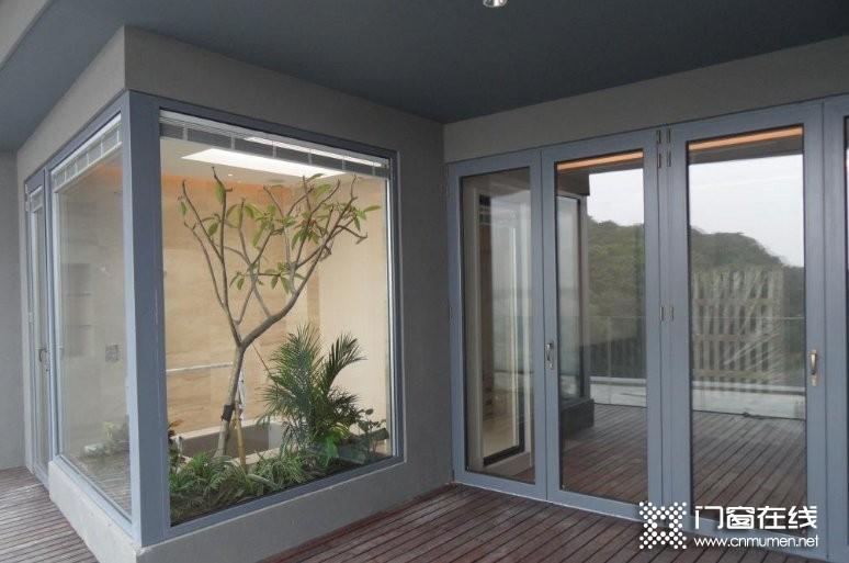 铝合金门窗玻璃怎么换